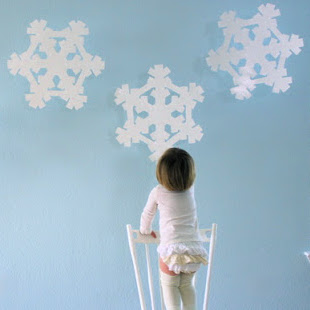 Super-sized snowflakes - decor tutorial from MADE Everyday with Dana