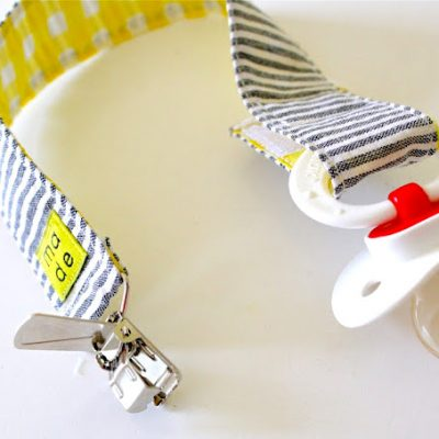 pacifier clips tutorial