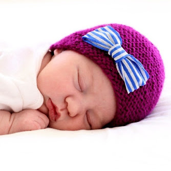 Knit Newborn Hat free pattern and tutorial