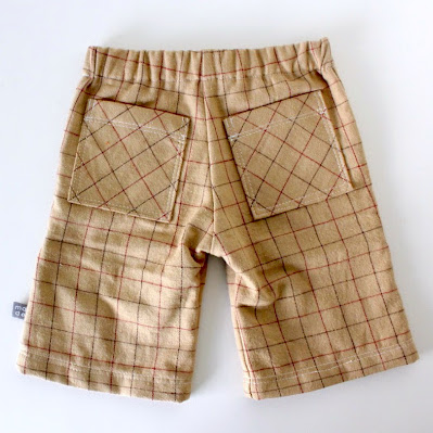 KID shorts with back pockets