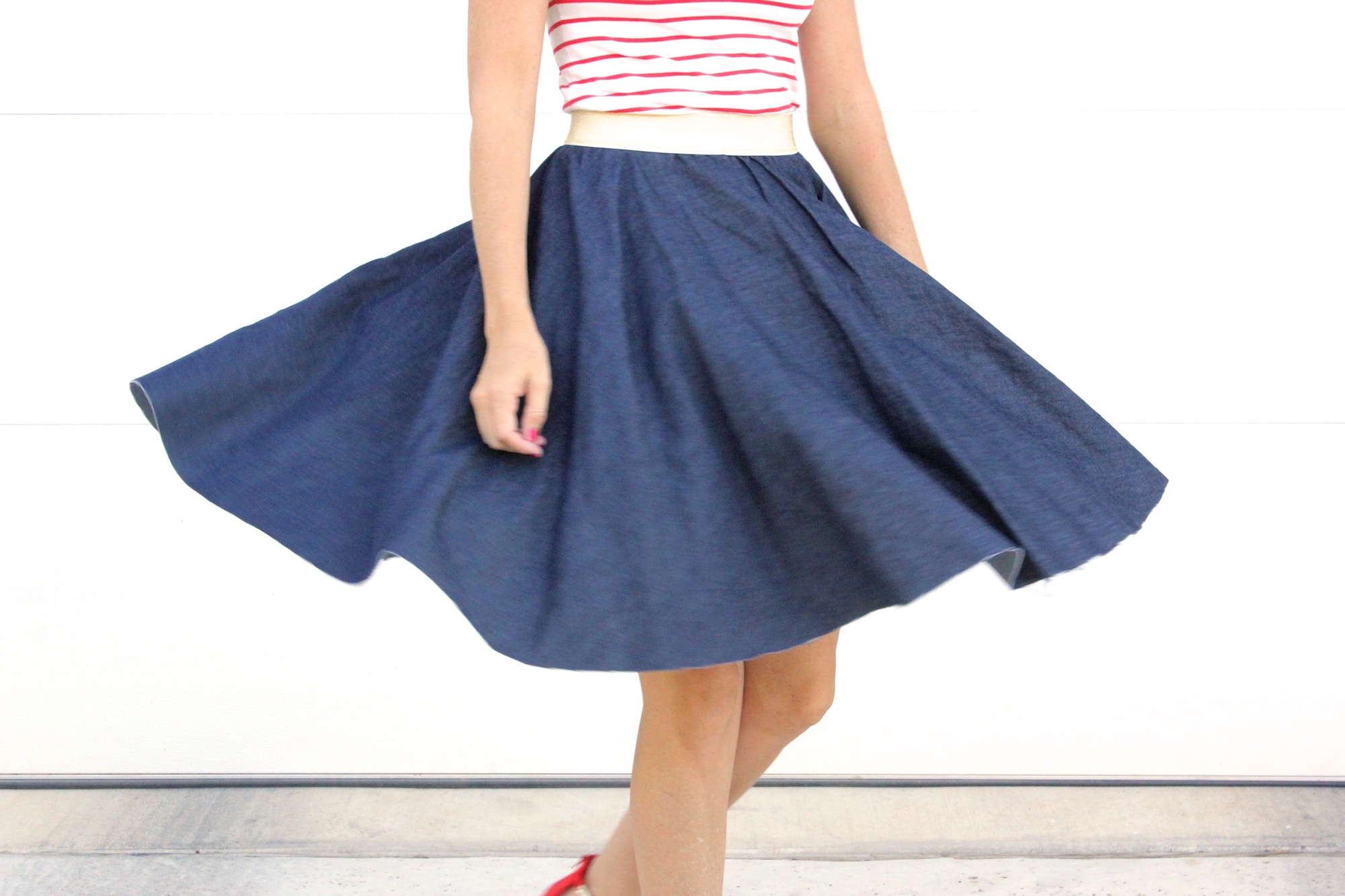 I used to think that a gathered skirt was the easiest skirt to sew. But I may have changed my tune. A circle skirt is possibly even easier!.especially if you leave the elastic exposed.
