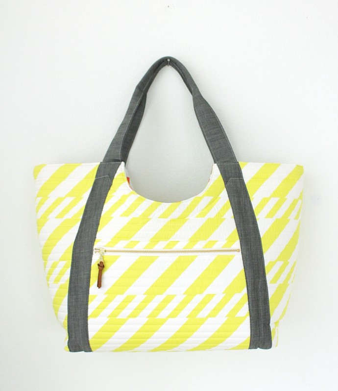 Poolside Tote Bag Pattern by Anna Graham of Noodlehead site
