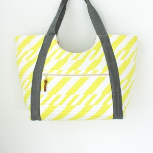 Poolside Tote by Anna Graham of Noodlehead on MADE Everyday
