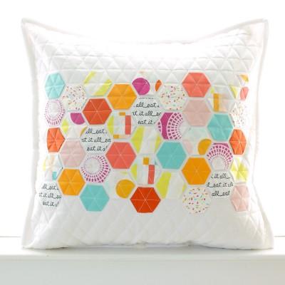 boardwalk-delight-fabrics-by-dana-willard-and-the-hexie-pillow