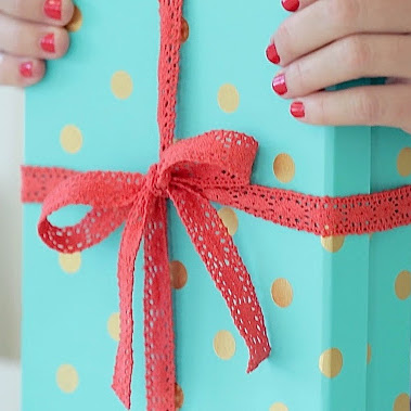 How to Tie a Perfect Gift Bow - video tutorial from MADE Everyday