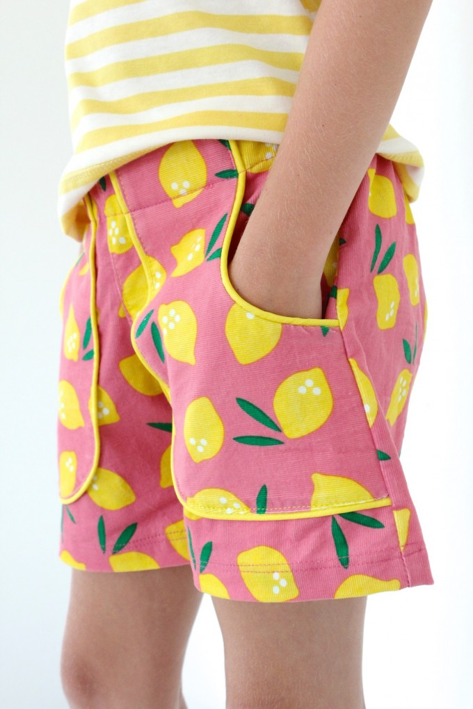 KID Shorts with pockets + piping on MADE