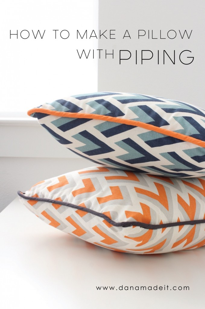 How to sew a pillow with Piping attached