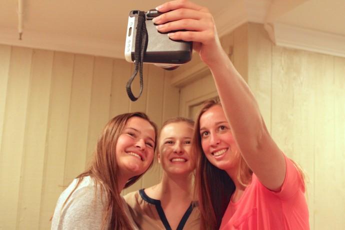 instax-camera-party-10