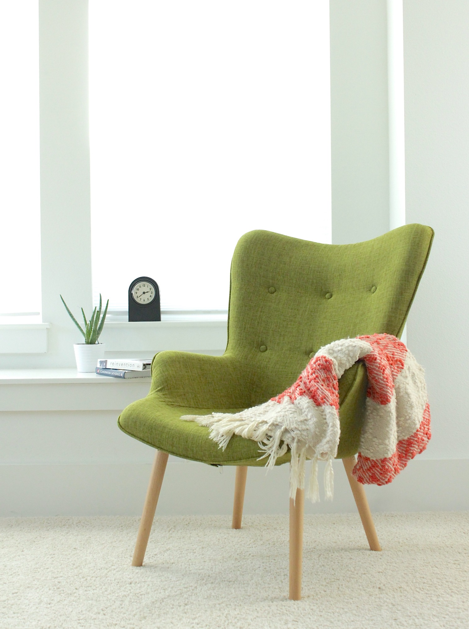 Decorating the Master Bath…and that green chair – MADE EVERYDAY