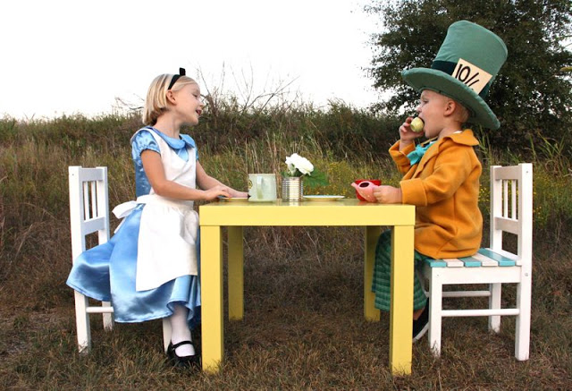 Alice in Wonderland and Mad Hatter Halloween costumes from MADE Everyday
