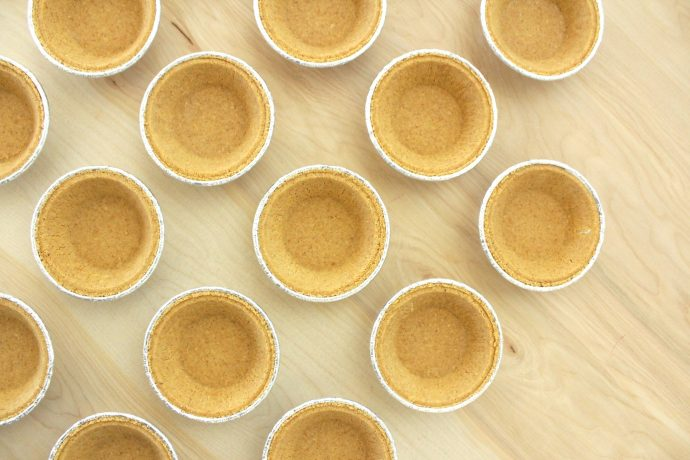 key-lime-mini-pies-on-made-everyday-4
